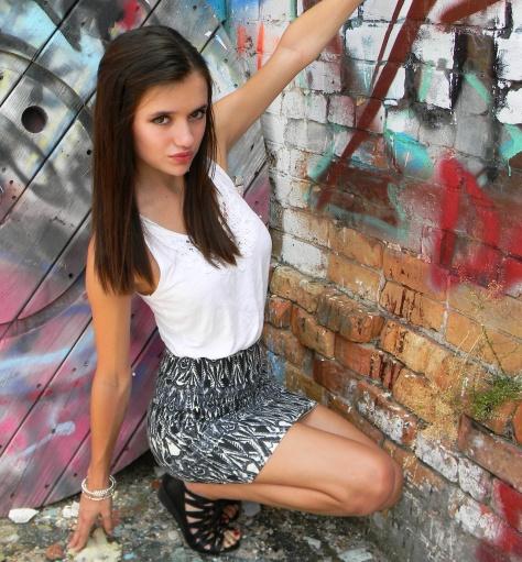 crouching ootd styledbysteph96
